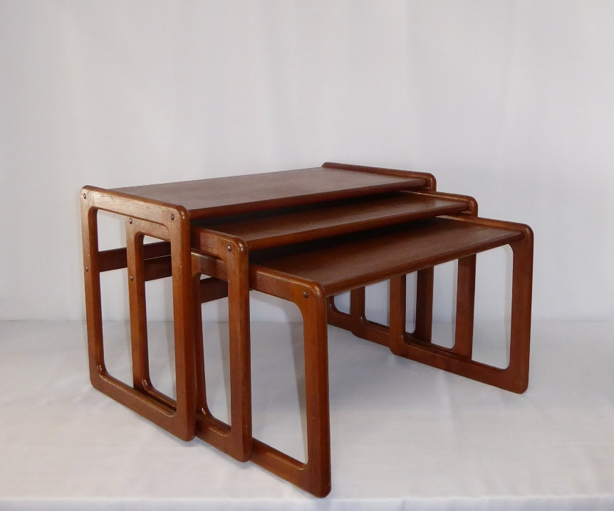 Dyrlund Nesting Tables