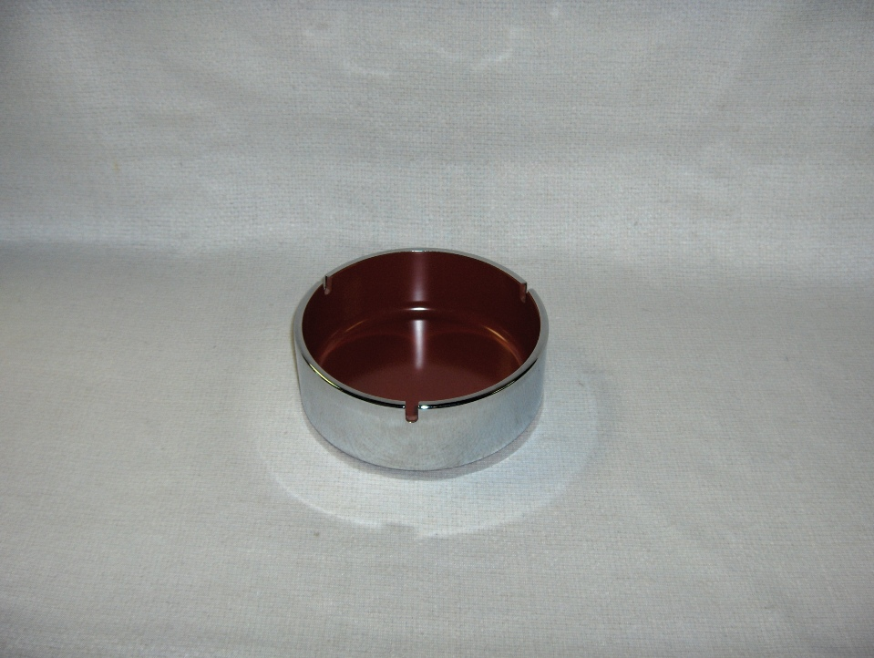 Isamu Kenmochi Ashtray
