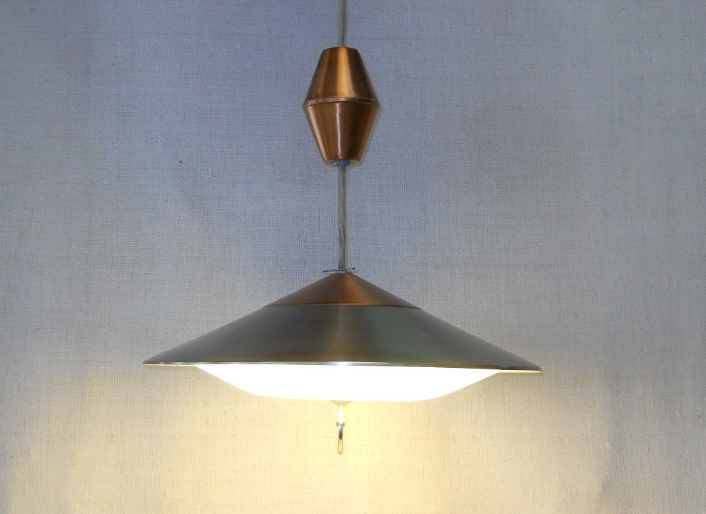 Mid-Century Modern Retractable Lamp