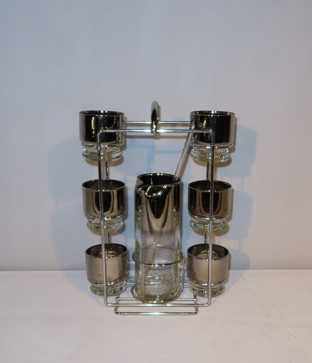 Martini Pitcher Glasses Caddy