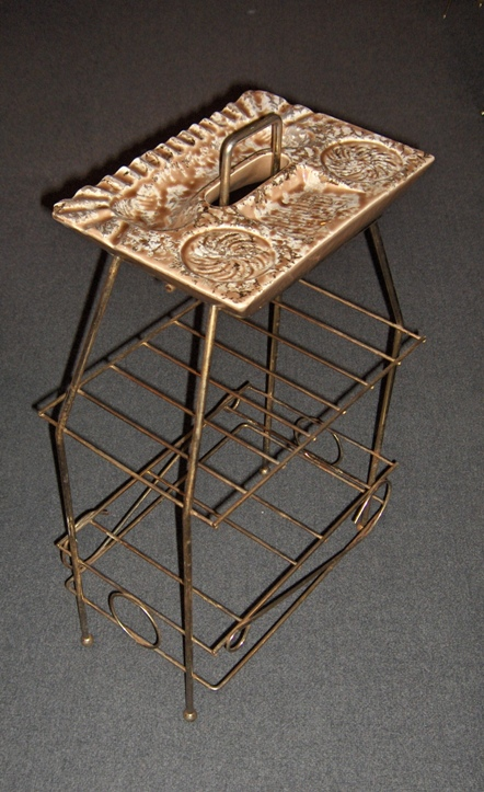 Wire Ashtray Stand Rack