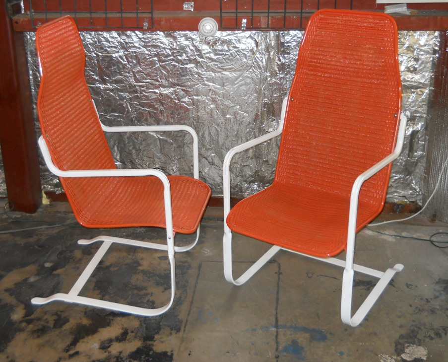 Retro vegas seating sold for H furniture loom chair